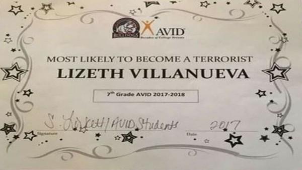 美國一位老師將「最可能變成恐怖份子獎」頒給中學生。(圖擷自推特)