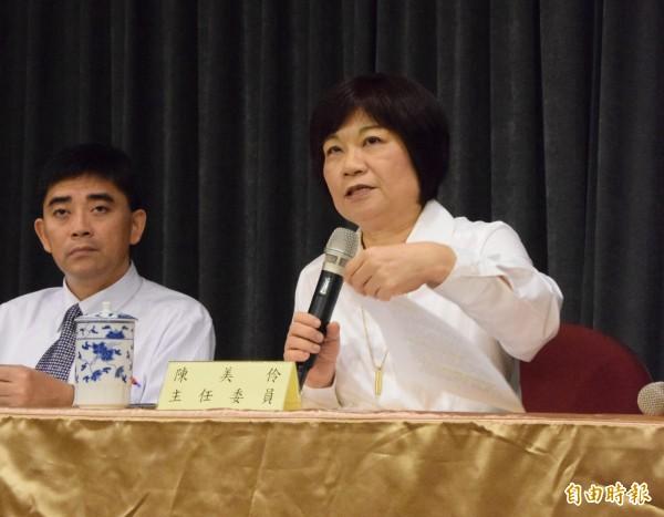 國發會副主委邱俊榮(左)首度談到入閣過程,他說三天就上任。(記者陳梅英攝)