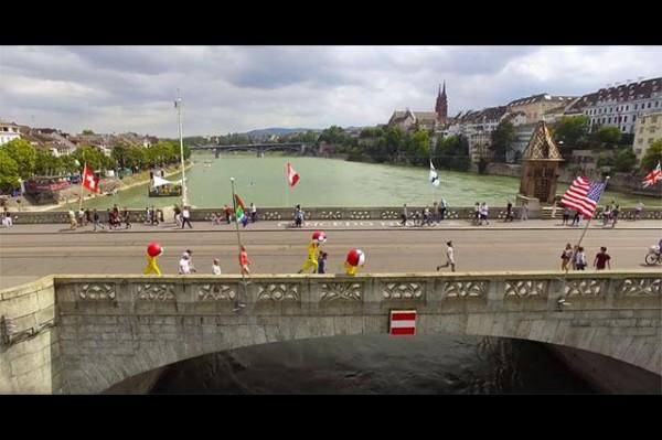 瑞士城市「巴塞爾」拍攝觀光宣傳片,影片穿插巴塞爾著名景點,如跨越萊茵河的多座橋梁。(圖擷取自影片)