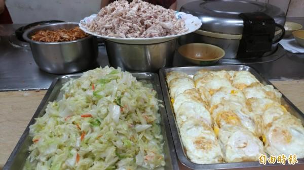劉里長雞肉飯開業45年,有固定的客戶擁護。(記者王善嬿攝)