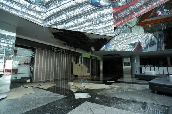 新千歲機場週四因北海道大地震導致關閉,據日本國土交通省稱,機場6日晚間已恢復供電,爭取在週五重啟國內線。(法新社)
