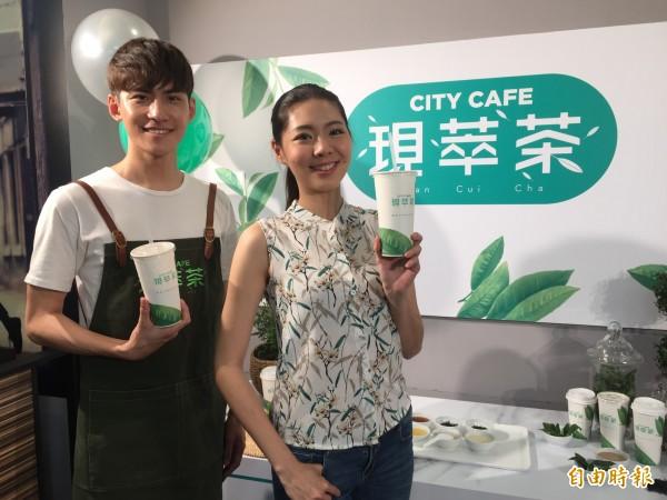 超商賣珍奶,PK手搖茶專賣店。(資料照,記者楊雅民攝)