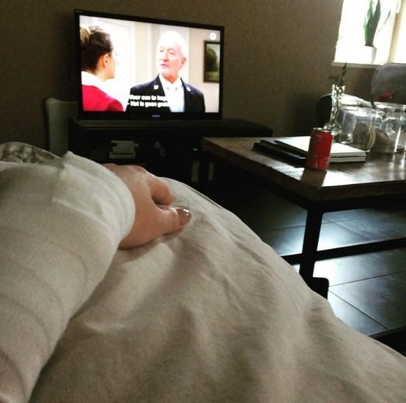 看電視也會傷害皮膚,加速皮膚老化。(圖擷取自marliesscheveneels instagram)