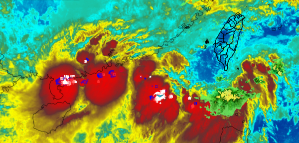 氣象達人彭啟明預估,西南風水氣北上,全台漸轉有雨,週四(14日)起降雨趨轉明顯,中南部山區需留意局部較大雨勢,民眾必須做好連日降雨的準備。(圖擷取自彭啟明臉書)
