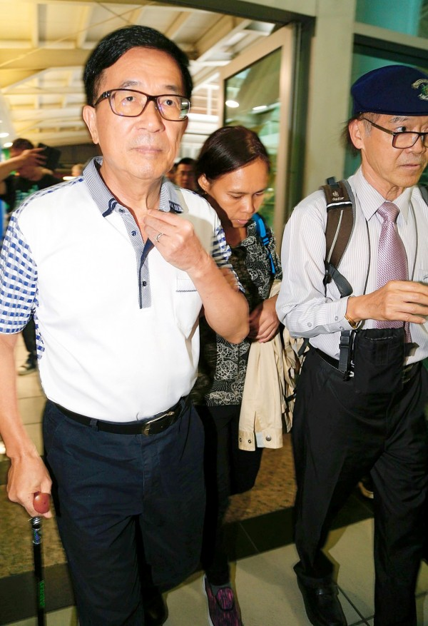 Former president Chen Shui-bian attends a fundraising dinner in Taipei yesterday. Photo: CNA