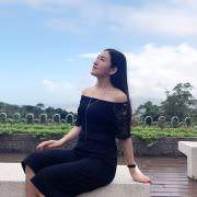 PTT鄉民在八卦板PO文指出,在中國社群媒體「微博」中發現「炳忠女友」。(圖擷取自PTT)