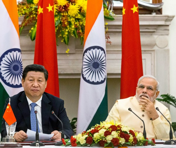 若印度GDP真的超越中國,將是自1999年以來,經濟成長率首次超越其它金磚三國。(彭博)