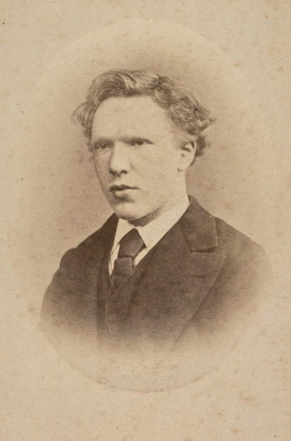 荷蘭畫家梵谷流傳後世的唯一一張照片,於他19歲時所拍攝。(法新社)