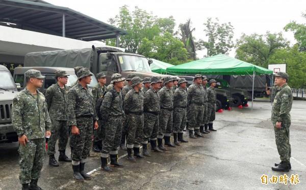 國軍將進行重大人事制度變革,上士經受訓後可轉任少尉。圖為示意圖。(資料照,記者張忠義攝)