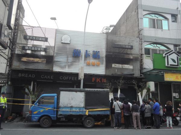 彰化縣員林鎮「馥卡諾麵包店」一場惡火造成5死意外。(記者劉曉欣攝)