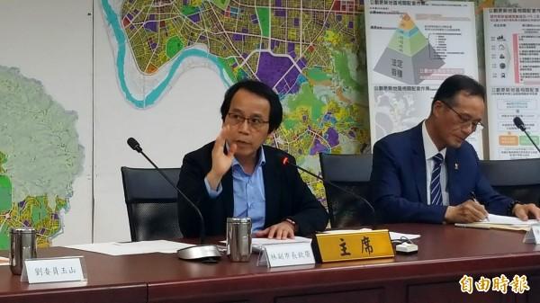 林欽榮指出,過去計劃缺少配套措施,無法積極帶動民間推動都更,市府今年全面檢討公劃更新地區,並提高都更誘因。(記者楊心慧攝)