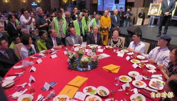 前總統陳水扁今晚出席凱達格蘭基金會12週年感恩募款餐會。(記者陳鈺馥攝)