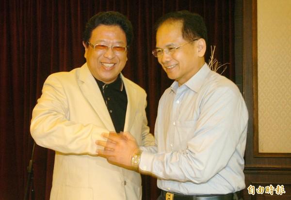 圖為媒體名嘴汪笨湖(左)、前民進黨主席游錫堃(右)。(資料照,記者簡榮豐攝)