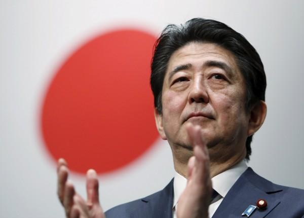 日媒今天大幅報導,安倍首相決定在本月28日召開臨時國會的幾天內宣布解散眾議院。(路透)