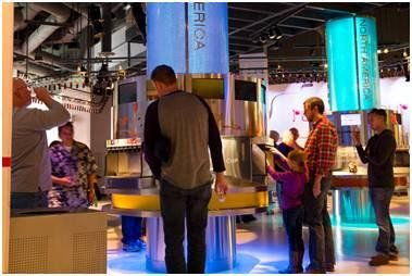 「可口可樂世界」展覽館內,依據五大洲設立各國不同的可樂口味供人飲用。(圖擷取自環球網)