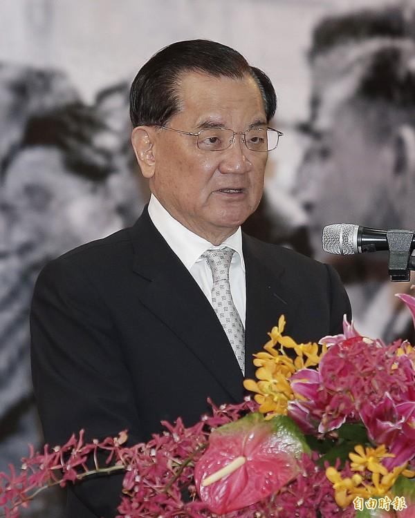 國民黨前主席連戰辦公室主任丁遠超今日轉述連戰(圖)談話,指出連戰曾提供台灣南海史料給習近平。(資料照,記者廖振輝攝)