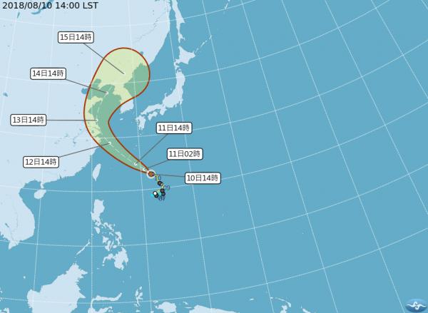 第14號颱風「摩羯」下午2點位於台北東南方海面上持續向西北移動,預計明天將影響琉球群島。天氣風險公司指出,魔羯明天是最接近台灣的時候,外圍環流將帶來充沛水氣及長浪。