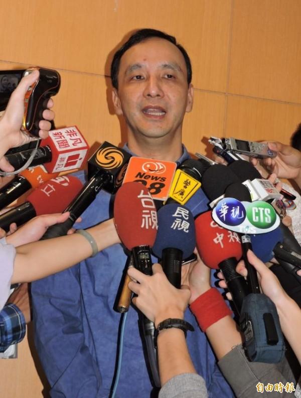 傳出換柱之後洪秀柱將列不分區立委,作為交換條件,黨主席朱立倫表示,不要有任何這樣的傳言。(記者賴筱桐攝)