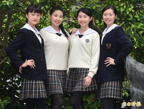 台北市稻江護家冬天制服,表現出獨特的優雅氣質。(記者廖振輝攝)