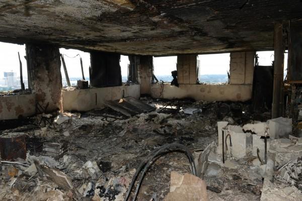 倫敦警察廳高級警官康迪表示,「難以描述火災造成的破壞」。圖為火災後的格倫菲大樓內部。(路透)