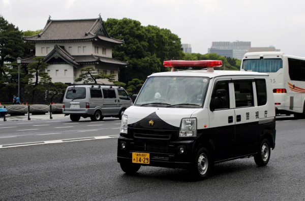 日本警方最近出动70多人调查一起掳人性侵案,但最后却发现整起事件都是受害女子自行策划,图为日本警车示意图。(路透)