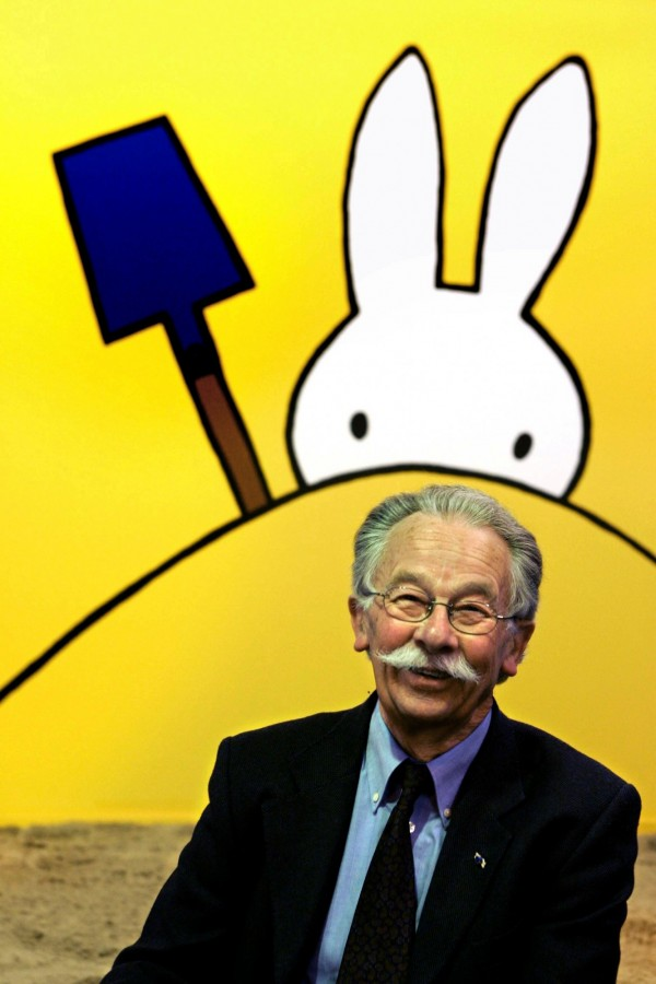 米菲兔之父布魯納(Dick Bruna)傳出在睡夢中辭世,享壽89歲。(法新社)