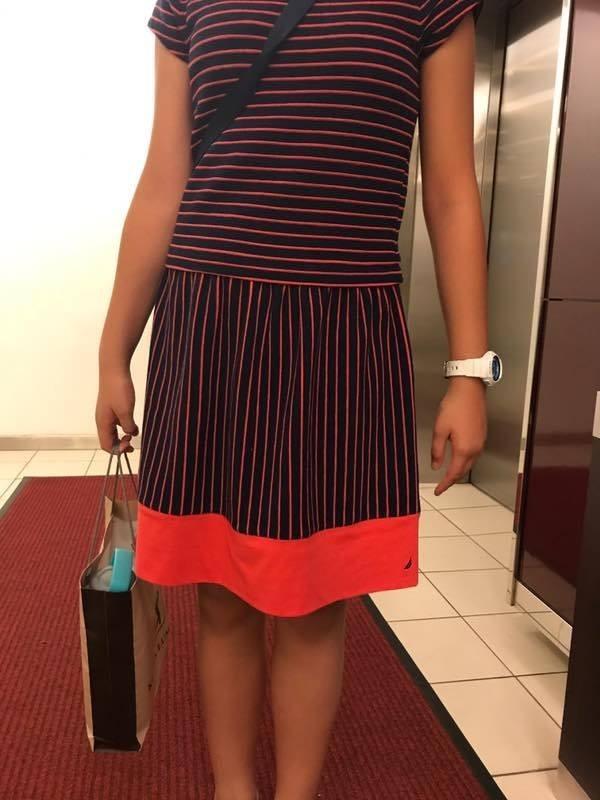 馬來西亞1名12歲西洋棋女選手,日前竟因身上的及膝裙太性感,而被迫退出比賽。(圖擷取自「Kaushal Kal」臉書)