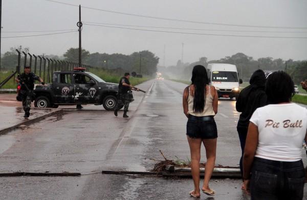 武裝組織炸開外牆 巴西大規模越獄釀20死