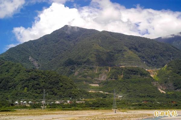 太魯閣園區內的亞泥礦區仍在運作中。(資料照,記者游太郎攝)