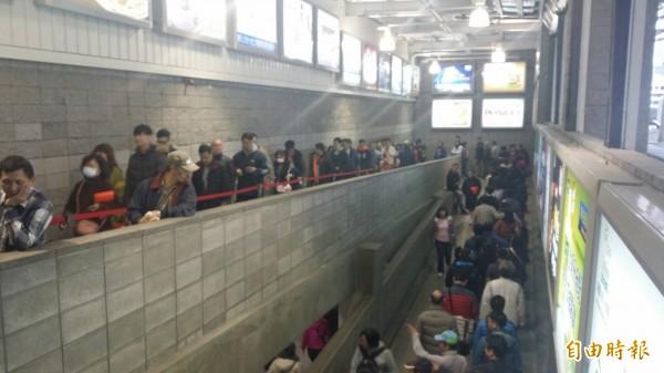 好市多黑色购物节今开跑,吸引大批民众前往消费。(资料照,编辑翁聿煌摄)