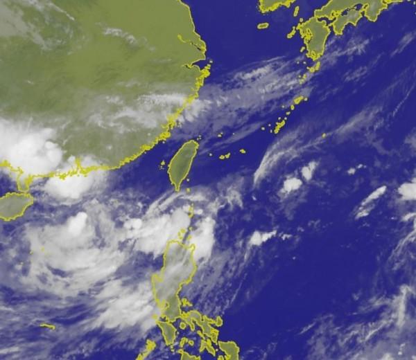 天氣要開始轉變了!明天(13日)受到滯留鋒面與西南氣流影響,全台各地都將轉為有陣雨及雷雨的天氣。(擷取自氣象局網站)