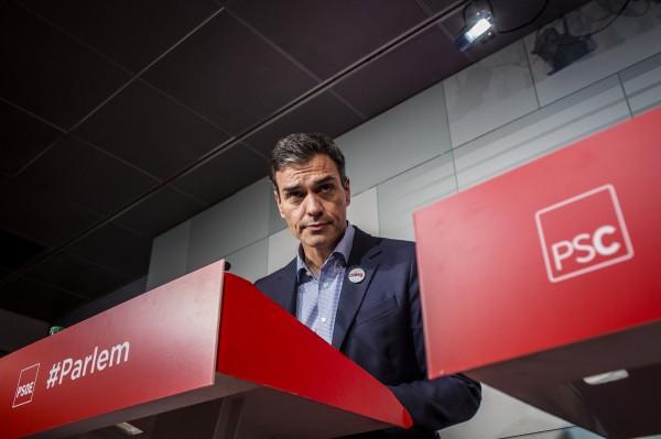 西班牙在野黨社會勞工黨黨魁桑傑士週一疾呼,要普伊格蒙特「停止一切動作」,如果片面宣布獨立,該黨會支持中央政府的行動。(彭博)