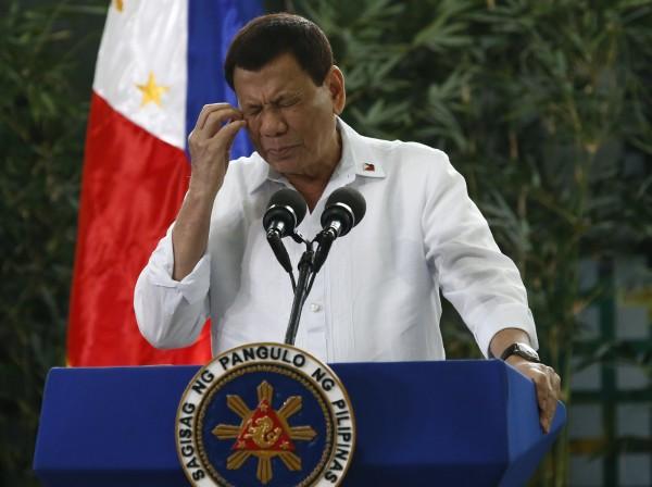 菲國總統杜特蒂常常出言不遜,引發各界批評,聯合國人權事務高級專員扎伊德今天反擊,稱杜特蒂應接受「精神鑑定」。(歐新社)