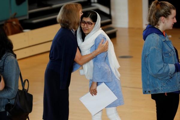 今年20歲的馬拉拉,在2012年因力爭女性教育權遭塔利班槍擊,最後前往英國接受治療,並留在當地念書。(路透)