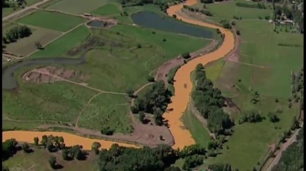 目前污染物仍伴隨河流不斷波及其他城市,對當地用水造成許多影響。(圖擷自網路)