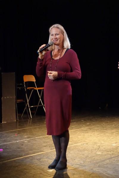 國際知名爵士樂大師、入圍葛萊美獎最佳爵士專輯製作人的Michele Weir也二度來台,傳授師大學生爵士樂秘訣。(記者吳柏軒攝)