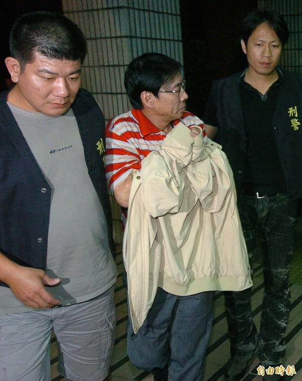 翁炳堯說,將會在今天(10日)就會去地檢署自首。(中)