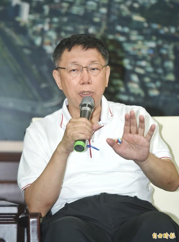 針對市議員批評世大運票房不佳,台北市長柯文哲今回應「議員應該要去鼓勵他的樁腳,大家一起去買票。」(記者方賓照攝)