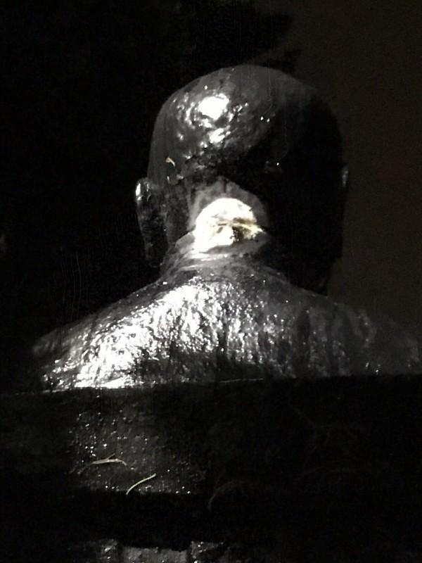 陽明山花鐘廣場的蔣介石銅像,二度遭破壞。(資料照)