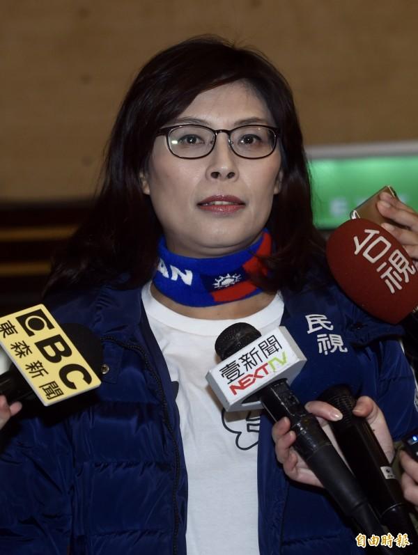 曾公開表示要角逐黨內初選的行政院前發言人鄭麗文今下午公開表示,經多番思考後,最後決定不領表。(資料照)