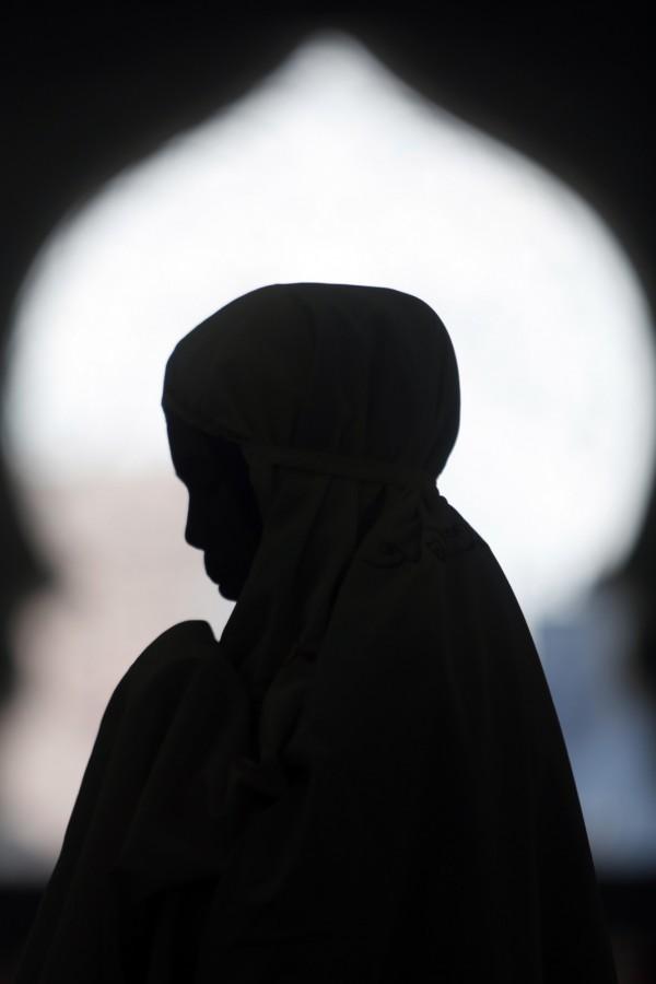 印尼今年7月爆发震惊全国的未成年性侵堕胎案,少女本被判有罪,然法院于27日改判无罪。图为情境照。(欧新社)