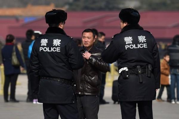 中國新疆哈薩克族人近日屢傳遭當局逮捕,光過去這週就有超過500名與哈薩克共和國有貿易往來的商人被捕。(情境照,法新社)