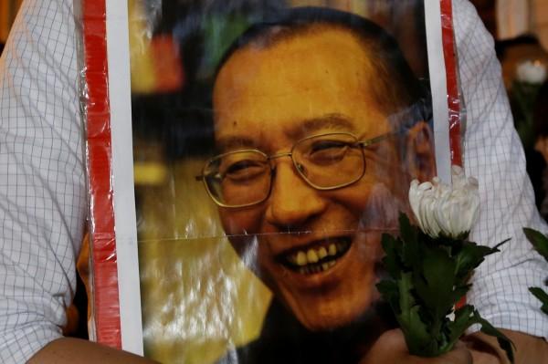 諾貝爾和平獎得主劉曉波癌逝,中國社群媒體持續封鎖相關討論訊息。(路透)