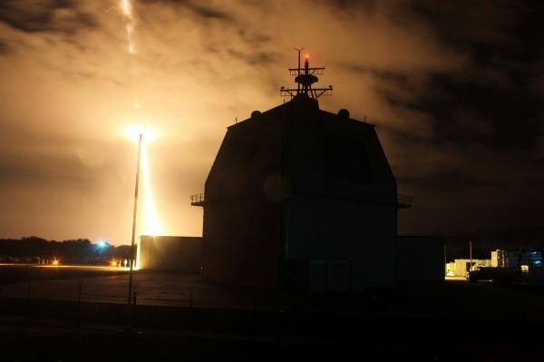 日防衛大臣表示,未來日本引進陸基神盾系統時將不只限於防範北韓飛彈,還將擴大功能,用於攔截巡弋飛彈。圖為陸基神盾系統。(路透)