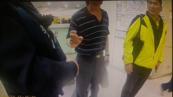 李永得昨天遭警方攔查,事件引發連串風波。(記者鄭景議翻攝)