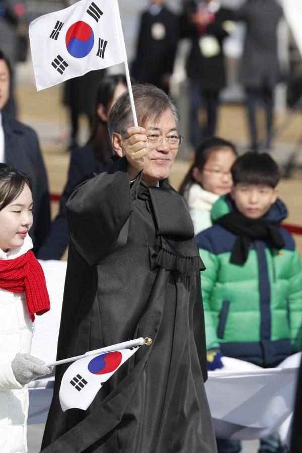 南韓總統文在寅將提修憲案,希望能將現任總統任期由5年改為4年,並且可連任1次。(歐新社)