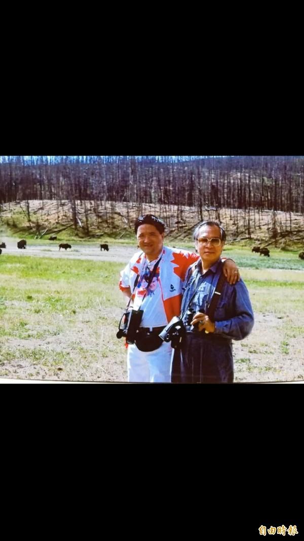 攝影大師林超群(左)與嶺南派大師歐豪年(右),曾一起在美國黃石公園攝影與作畫寫生。   圖由林超群提供