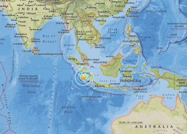 印尼蘇門答臘南部近海今上午11點08分傳出規模6.4強震。(圖擷取自USGS)