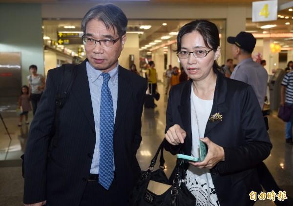 圖為海基會人員10日陪同李明哲妻子李凈瑜前往中國。(資料照,記者簡榮豐攝)