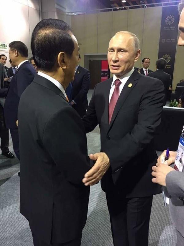 宋楚瑜表示,他在APEC和俄羅斯總統普廷聊到「經國先生」。(圖擷取自宋楚瑜臉書)